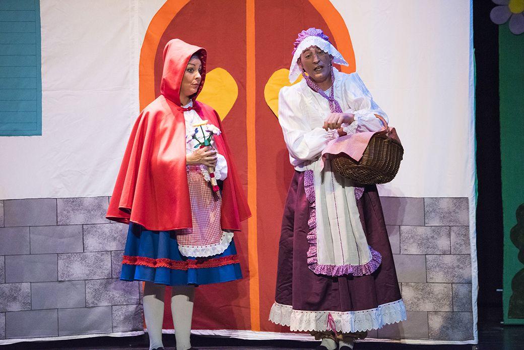 Caperucita Roja y Abuela